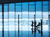 Passengers in the interior of the airport — Stock Photo
