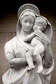 Virgin Mary with baby Jesus — Stock Photo