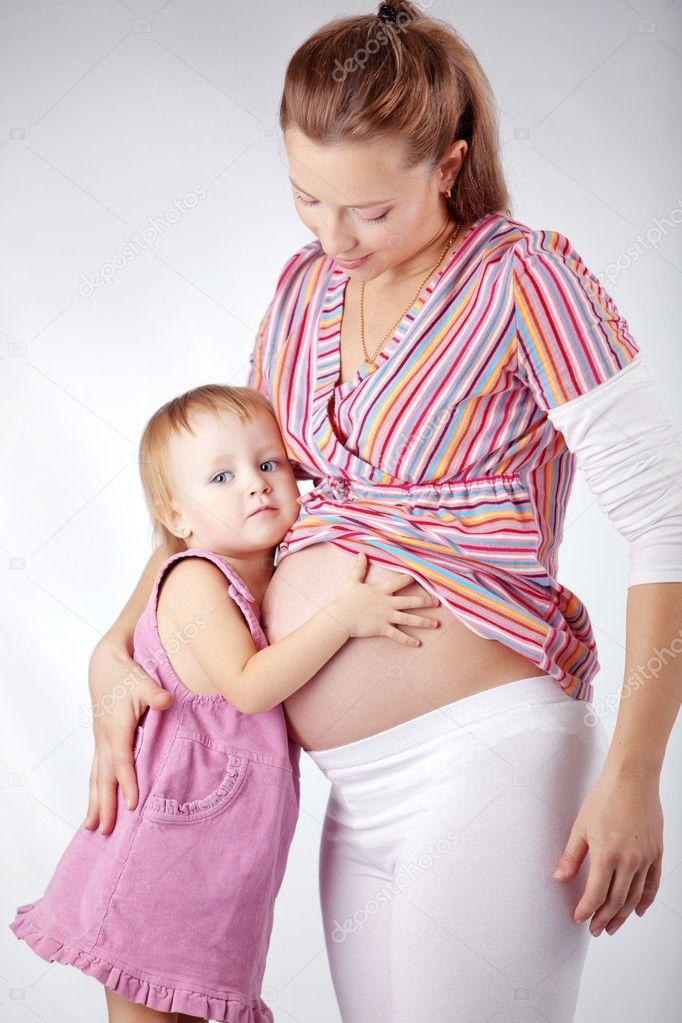 Беременная мама и дочка фото 882