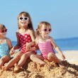Kids playing at the beach — Stock Photo #6190696