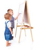 Ragazzi disegna su una lavagna — Foto Stock
