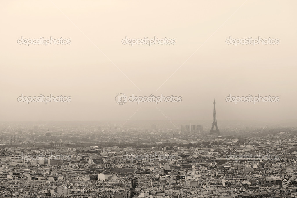 Paris seen from the dome of Sacre Coeur — Stock Photo #5710329