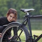 Mountain bike trouble — Stock Photo #5638716