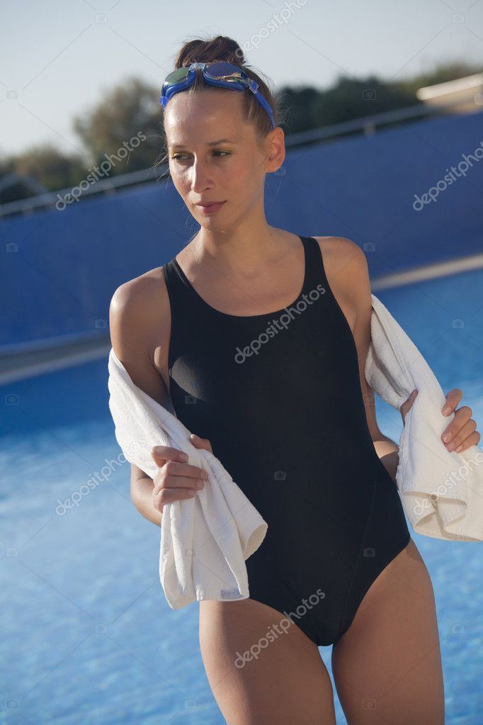 depositphotos_5889660-Woman-swimmer.jpg