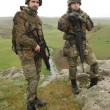 Two young soldiers outdoors — Stock Photo #5667506