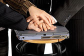 Hands on laptop — Stockfoto