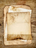Old blank papers — Stockfoto