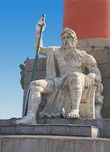 在延髓中的列的圣彼得斯堡座雕像. — 图库照片