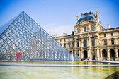 Louvren — Stockfoto