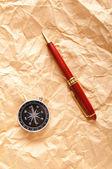 Vintage kompas op het papier in avontuur concept — Stockfoto