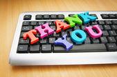 Zpráva s poděkováním na klávesnici — Stock fotografie