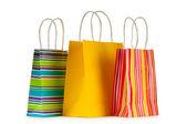 Färgglada papper shoppingkassar isolerad på vit — Stockfoto