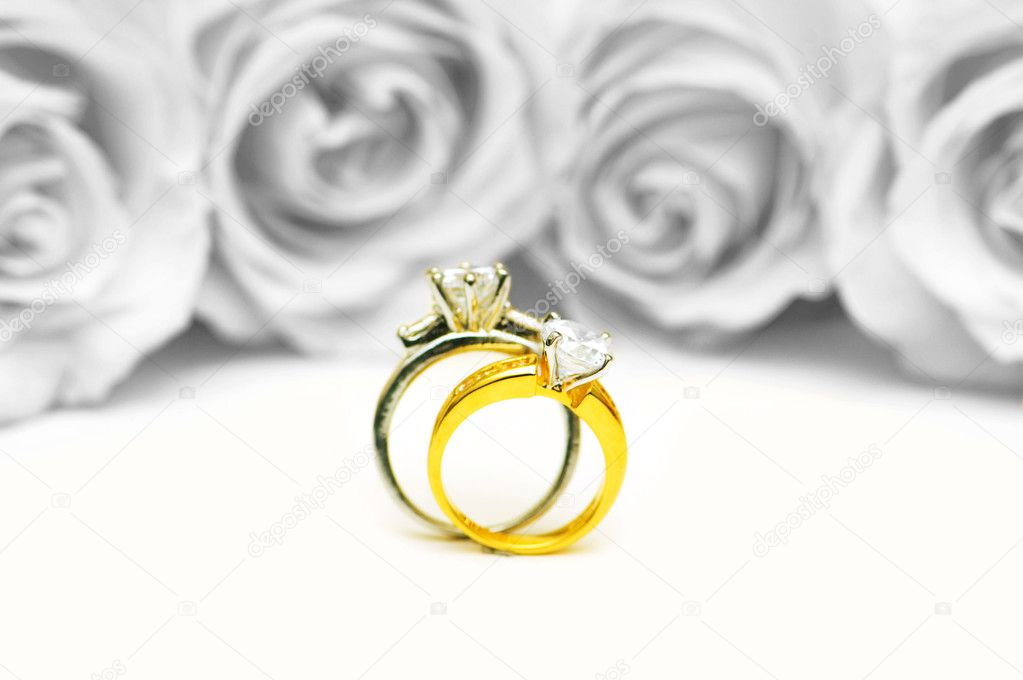 Wedding concept with roses and rings  Stockfoto #6083306