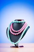 Pearl necklace against gradient background — Stok fotoğraf