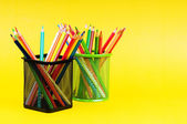 回学校概念与彩色铅笔 — 图库照片