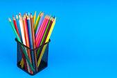 Renkli kalemler ile okul kavramı geri — Stok fotoğraf