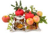 Nar, bal ile olgun taze elma rosh hashana için — Stok fotoğraf