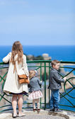 Family at viewpoint — Stock Photo