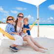 Family on beach vacation — Stock Photo #5899045