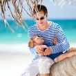 Father and daughter on Caribbean vacation — Stock Photo #6118705