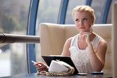 Pretty blonde businesswoman — Stock Photo