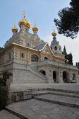 The magnificent church, surmounted by golden domes — Stock Photo