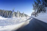 冬の間にドロミテ山の雪の風景 — ストック写真