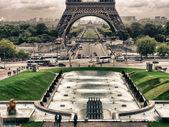 Eiffelturm von bois de boulogne, paris — Stockfoto
