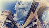 Aşağıdan yukarıya görünümü floransa'daki ponte vecchio — Stok fotoğraf