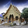 Thunderstorm over Thai Temple - 图库照片