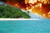 Storm approaching Bamboo Island, Asia — Stock Photo