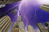 Storm över new yorks skyskrapor — Stockfoto