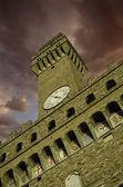 Aşağıdan yukarıya görünümünü piazza della signoria floransa — Stok fotoğraf
