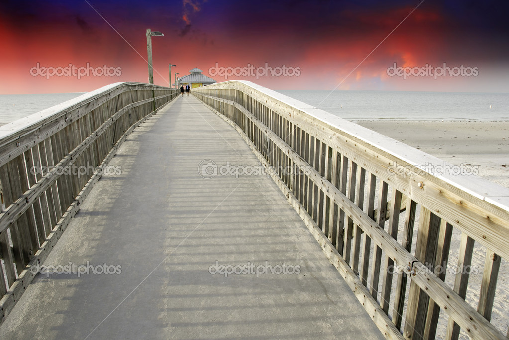 Sunset from a Pier in Fort Myers, Florida, U.S.A.  Stock Photo #6100886