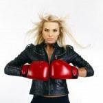 Beautiful boxing woman — Stock Photo