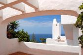 Utsikten över havet från en byggnad av lyxhotell, stranden och atlanten — Stockfoto