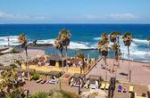 Beach of the luxury hotel, Tenerife island, Spain — Stock Photo