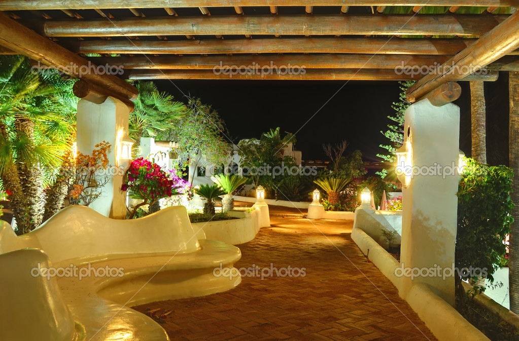 Illuminated recreation area of luxury hotel, Tenerife island, Spain — Stock Photo #6049914