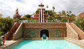 The Tower of Power water attraction in Siam waterpark, Tenerife, Spain — Stock Photo