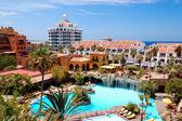 Budynek i rekreacji o powierzchni luksusowy hotel, wyspa tenerife, s — Zdjęcie stockowe