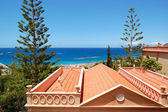 Roof of the villa and beach, Tenerife island, Spain — 图库照片
