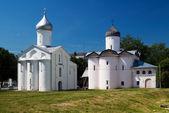 Iglesia de procopy e iglesia de esposas-mironosits, gran novgorod — Foto de Stock