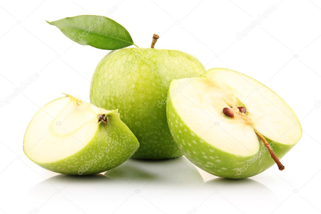 Ripe green apple with slices isolated on white background — Stock Photo #5405704