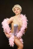 Vacker dansande kvinna poserar — Stockfoto