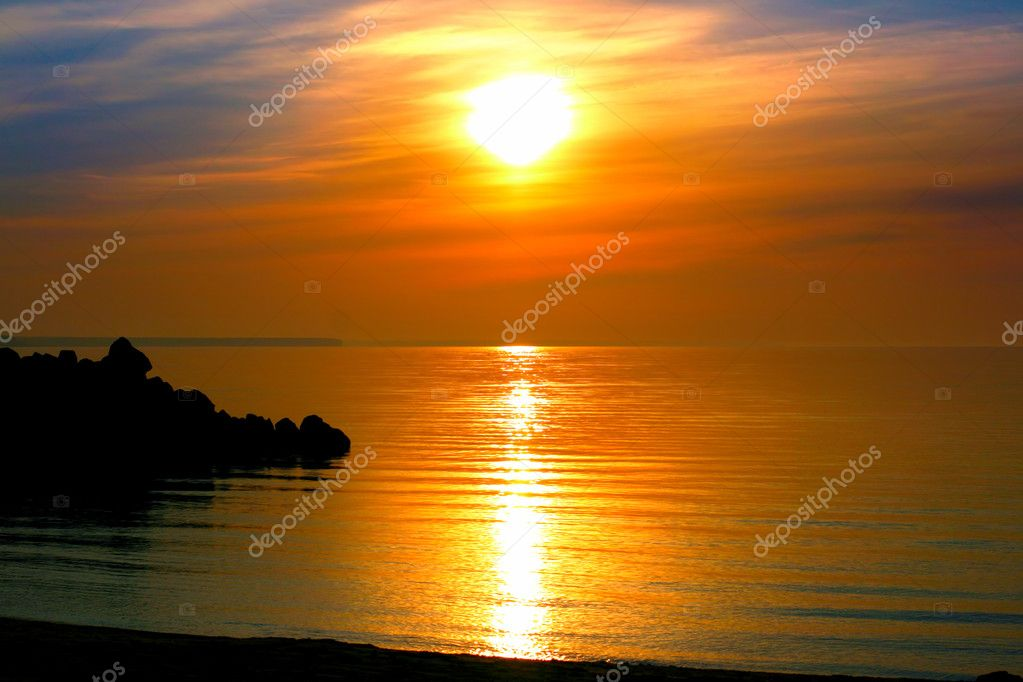 View on the calm evening sea — Stock Photo #5737604