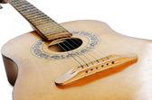 Akustická kytara izolovaných na bílém — Stock fotografie