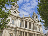 Facade of St Pauls Cathedral — Stock Photo