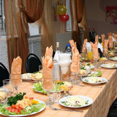 The celebratory decorated table — Stock Photo