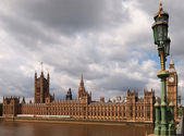 Huizen van het parlement en de big ben — Stockfoto