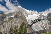 Cableway beneath mont Blanc — Stock Photo